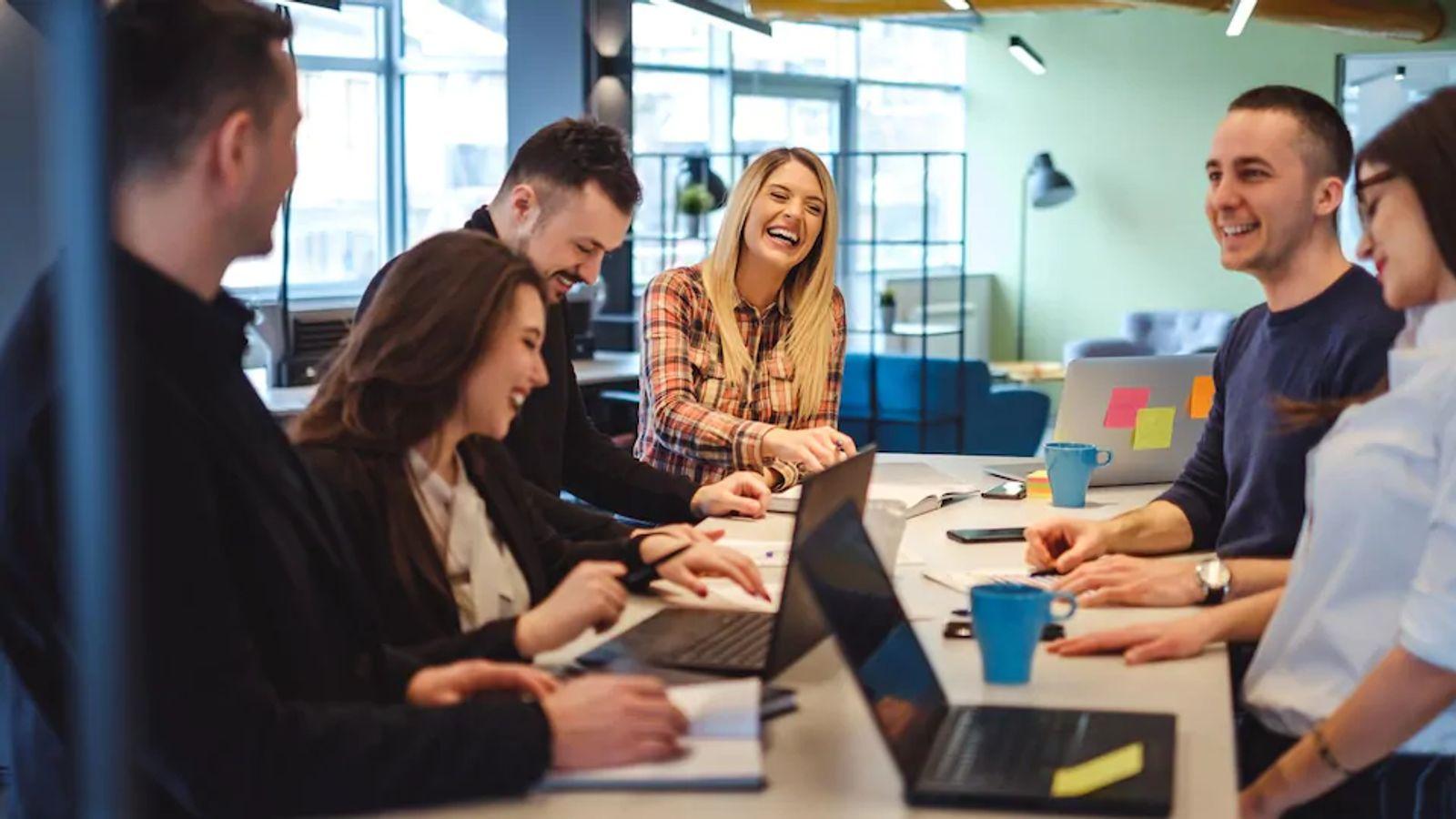 Dynamiser ses réunions et relations en interne avec la communication positive